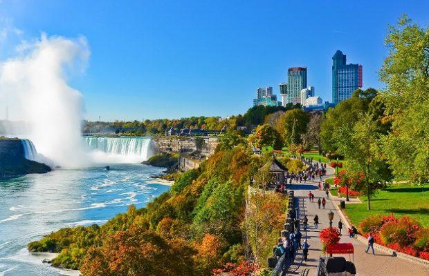 Nên mua gì làm quà khi du lịch Canada