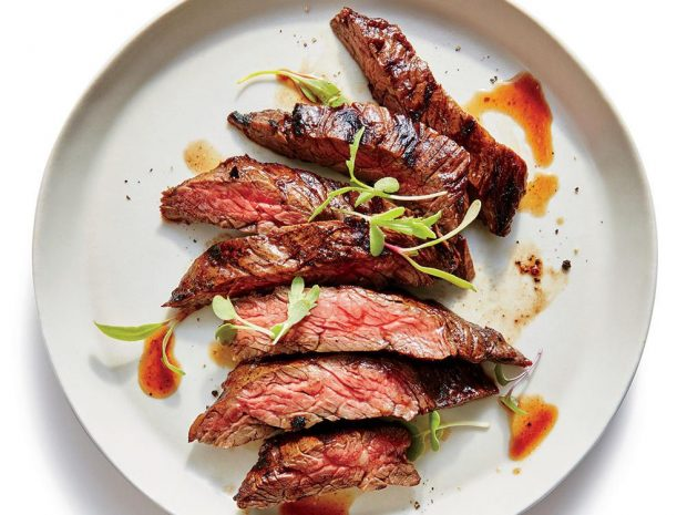 Beefsteak làm từ thịt bò Úc